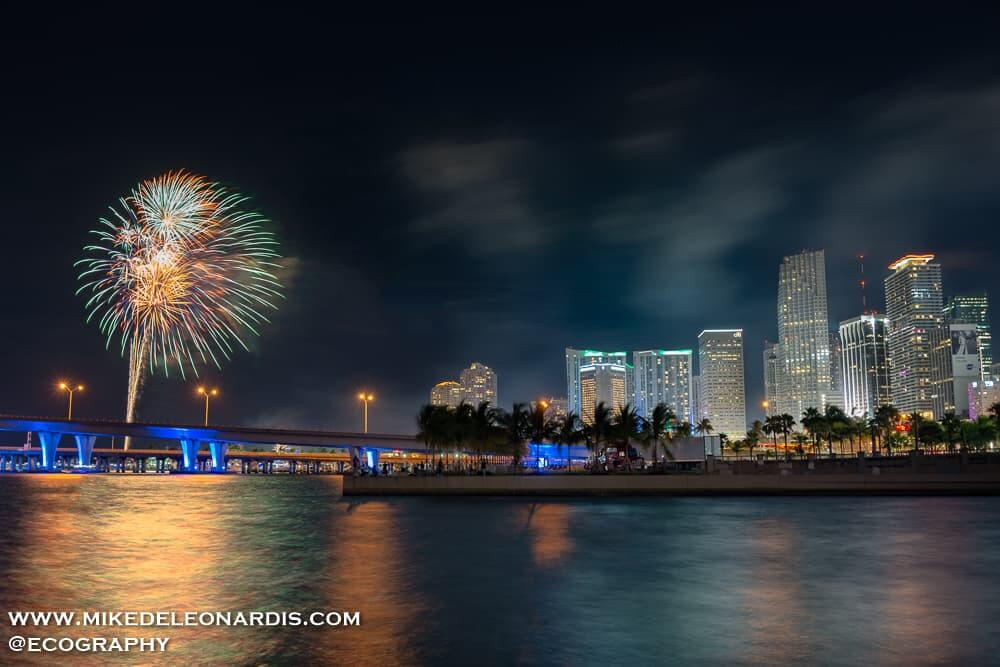July 4th fireworks over Biscayne Bay, in downtown Miami, Florida.